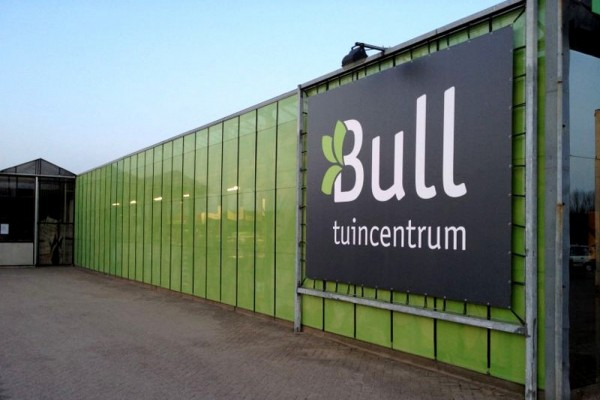 Spandoek in frame Tuincentrum Bull